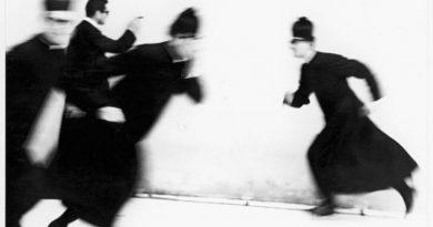 Da Io non ho mani che mi accarezzino il volto (1961-1963) © Archivio Mario Giacomelli, Senigallia
