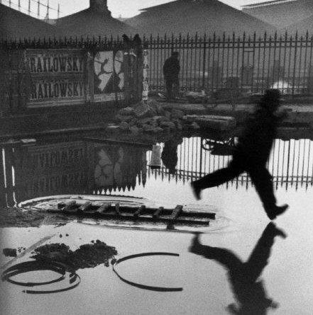 FRANCE. Paris. Place de l'Europe. Gare Saint Lazare. 1932. © Henri Cartier-Bresson / Magnum Photos
