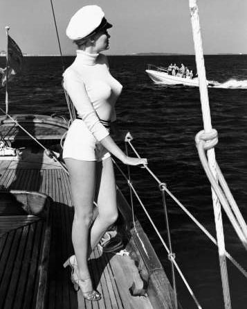 Winnie off the coast of Cannes, 1975 from the series White Women © Helmut Newton Estate